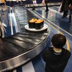 大分空港の回転寿司風広告