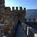 [スイス篇] ベリンツォーナ(4)サッソ・コルバロ城へ